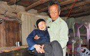 7旬女婿照顾102岁岳母34年