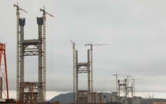 平潭海峡公铁大桥20日全部主塔完成封顶