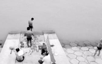 哈尔滨市六旬老者游完泳后猝死
