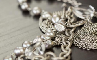 黄金珠宝销量回暖 铂金仍被冷落