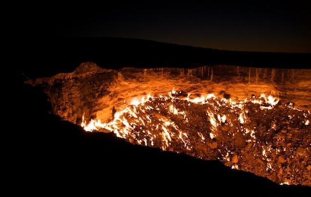 末日启示录:盘点地球上最恐怖的坑洞