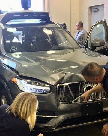 Uber无人车致死 玩手机的司机或被指控