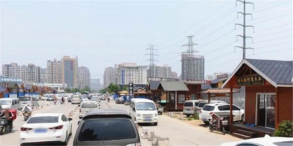 郑州这条不到1公里的路6处破损何时修好?