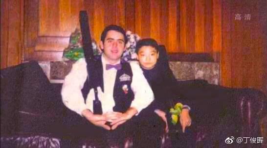 丁俊晖晒与奥沙利文同框照 网友调侃:暴露他年龄了