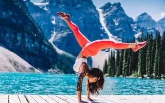 超简单家用教程 10个动作让你练出蛮腰美腿!