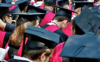 """哈佛""""逆向种族歧视""""争议再起 留学生还会申请吗"""