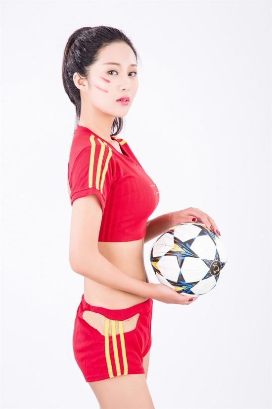 飞机杯碰撞世界杯 CC女主播另类俄罗斯直播