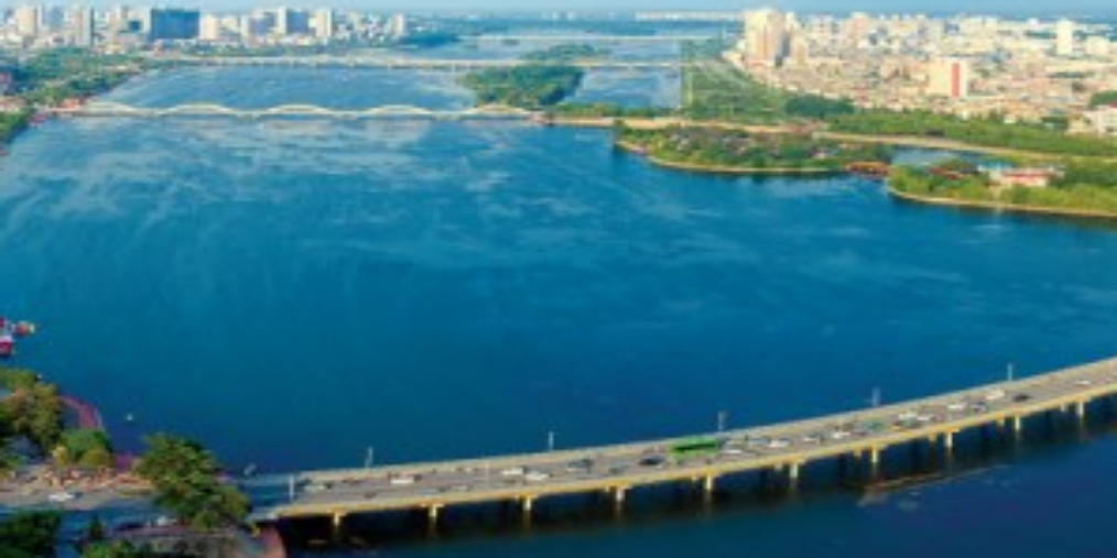 满城绿色半城水  生态美景入画来