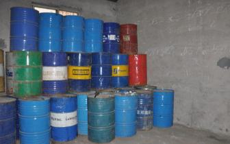 福建2017年以来缴获易制毒化学品超128吨