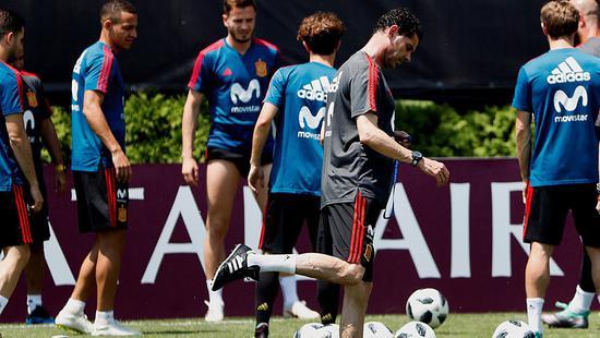 感同身受? 西班牙推迟训练只为观看德国队比赛