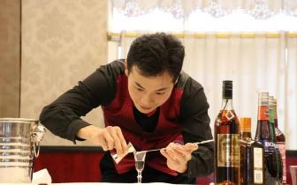 何虎:不想当冠军的传菜员,会是一名好调酒师吗?