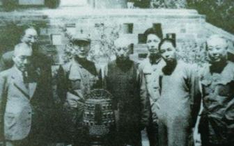 瑰宝流光 津沽鉴藏——读《老天津文物与收藏》