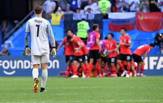 诺伊尔:我们踢得不像是德国足球 不会退出国家队
