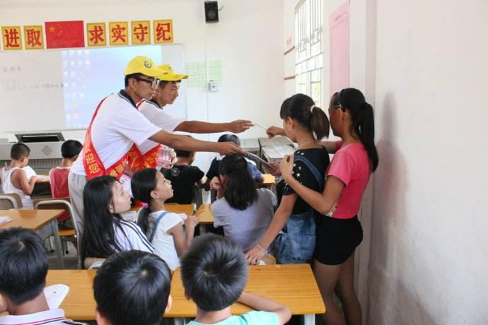 """惠州10所学校试点""""青苗护航""""工程 为期半年"""
