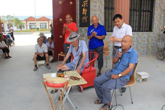 乡村医生捐600万为村民建医养院自己住漏雨平房