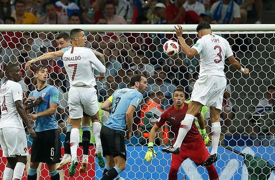 325分钟!乌拉圭球门终于失守 2018年首粒丢球
