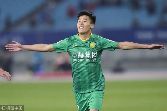 有钱任性!国足U23球员被曝年薪超2000万 日本现役本土球员超500万仅8人