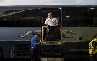 为让残疾人坐飞机火车旅行更方便 科技能做什么
