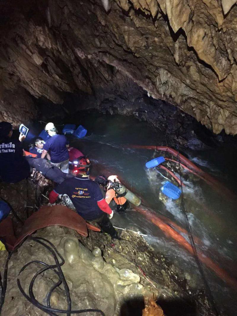 泰国被困洞穴13少年被发现 当地指挥官:谢谢中国