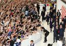 日本队回国球迷接机