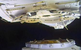 """""""龙""""号货运飞船与国际空间站对接将开舱接轨"""