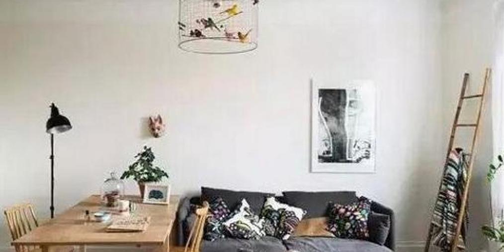 房子是小户型 如何能在客厅挤出书房?