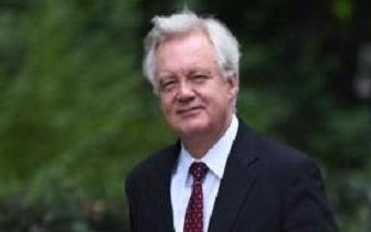 脱欧大臣辞职震惊英国 梅姨或能成功保住首相之位