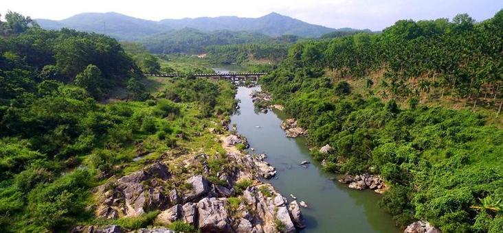乘坡河大峡谷:融山、石、河流为一体