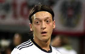 德足协施压要求厄齐尔解释 其父发声劝辞职:太委屈