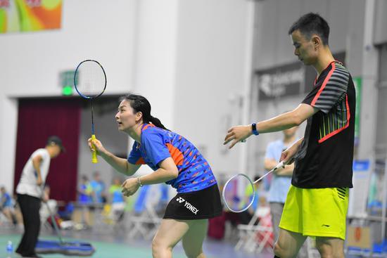中国羽协业余俱乐部联赛开战 23支队伍一争高下