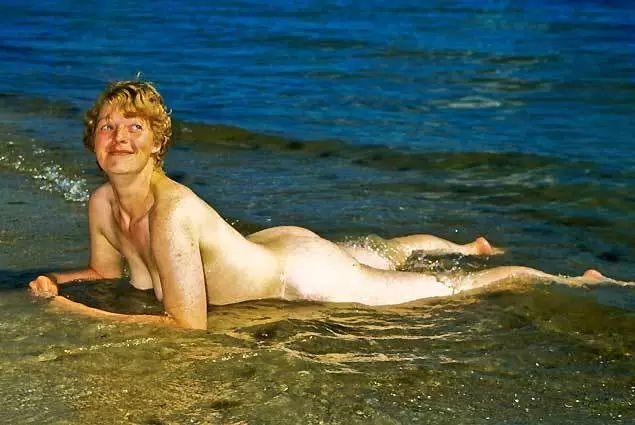 东德裸体狂热:裸奔是我们唯一的自由