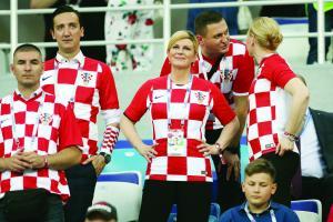 各国政要为世界杯操碎心 普京变化最大 克罗地亚美女总统当啦啦队队长