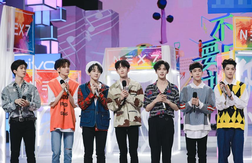 引爆全国收视 NEX《快本》合体献综艺首秀