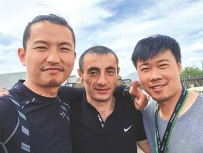河南俩小伙购票后骑摩托赴俄看世界杯小组赛 赶到时已成1/4淘汰赛