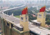 航拍南京长江大桥新颜