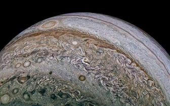 外媒天文图片精选:朱诺号揭开木星闪电之谜