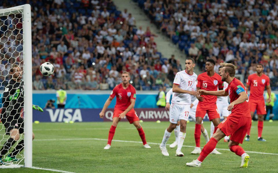 在俄罗斯,英格兰队的11个进球中有8个来自定位球。(原文是9个进球6个来自定位球)
