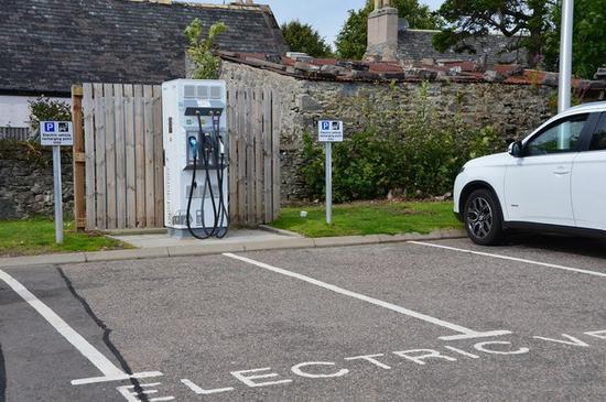 英国要求新建住宅必须提供电动汽车充电能力