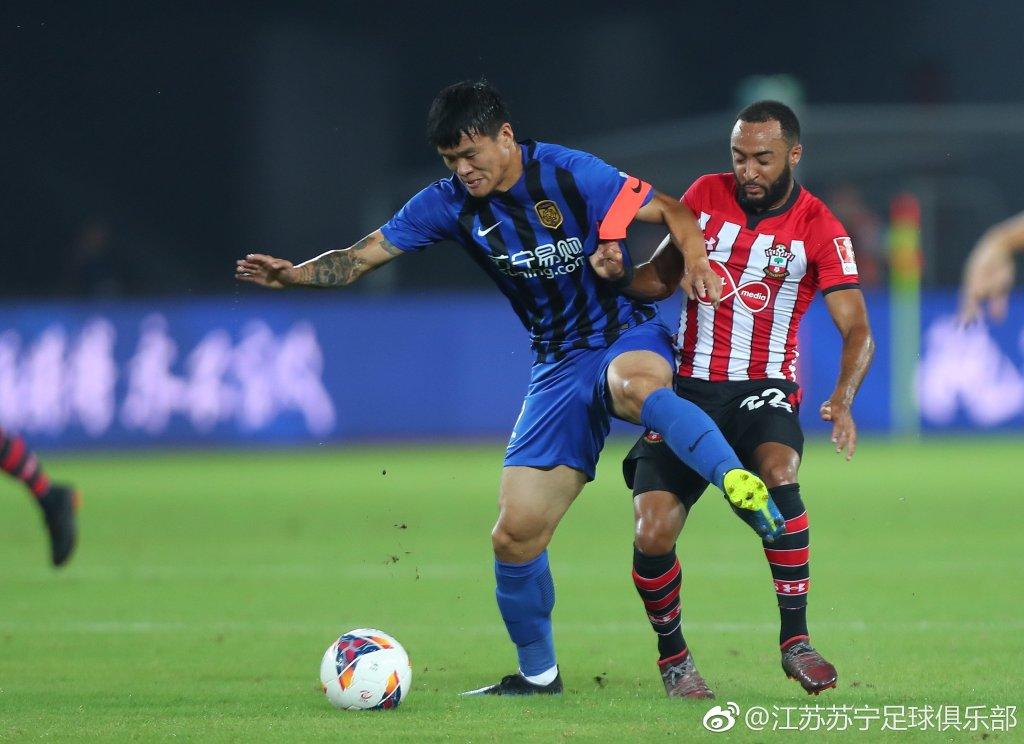李昂出任队长U23小将建功 苏宁热身2-3南安普顿