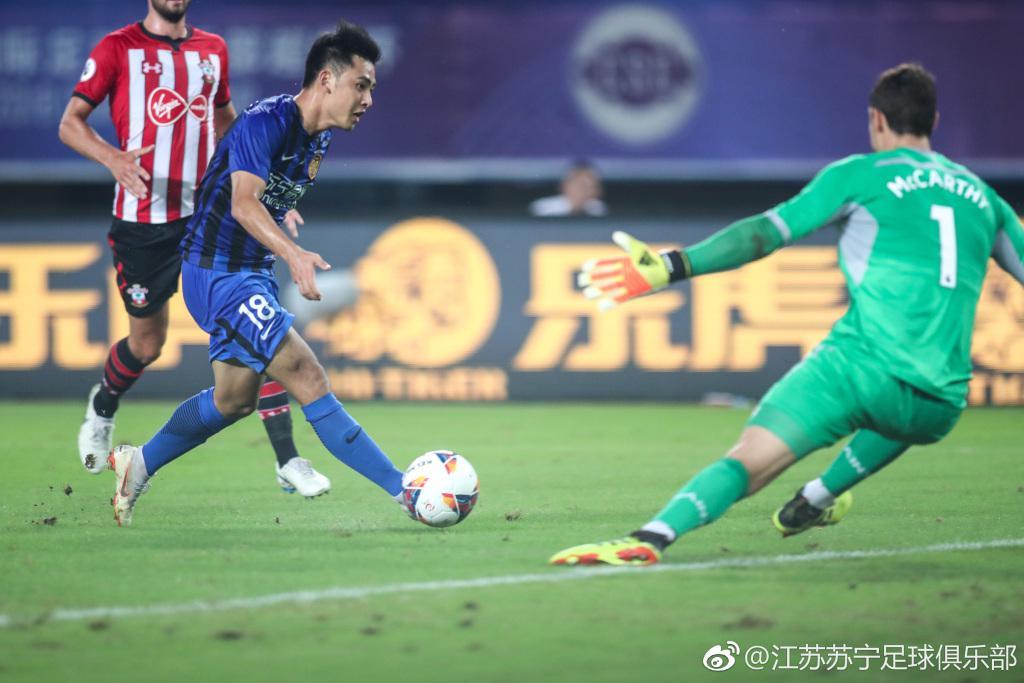苏宁主帅:张凌峰非常有潜力 希望年轻球员更高提高