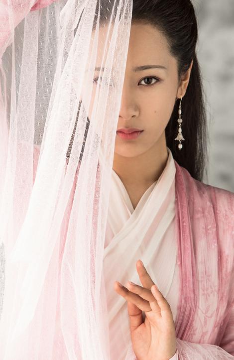 杨紫《天乩之白蛇传说》萌点满满 为戏献声获好评