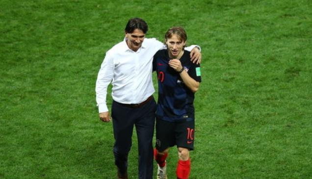 克罗地亚主帅:球员受伤也不言放弃,我为他们骄傲