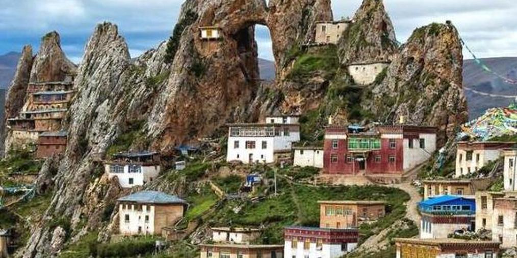 来看看中国险峻的古寺庙 真佩服古人的智慧
