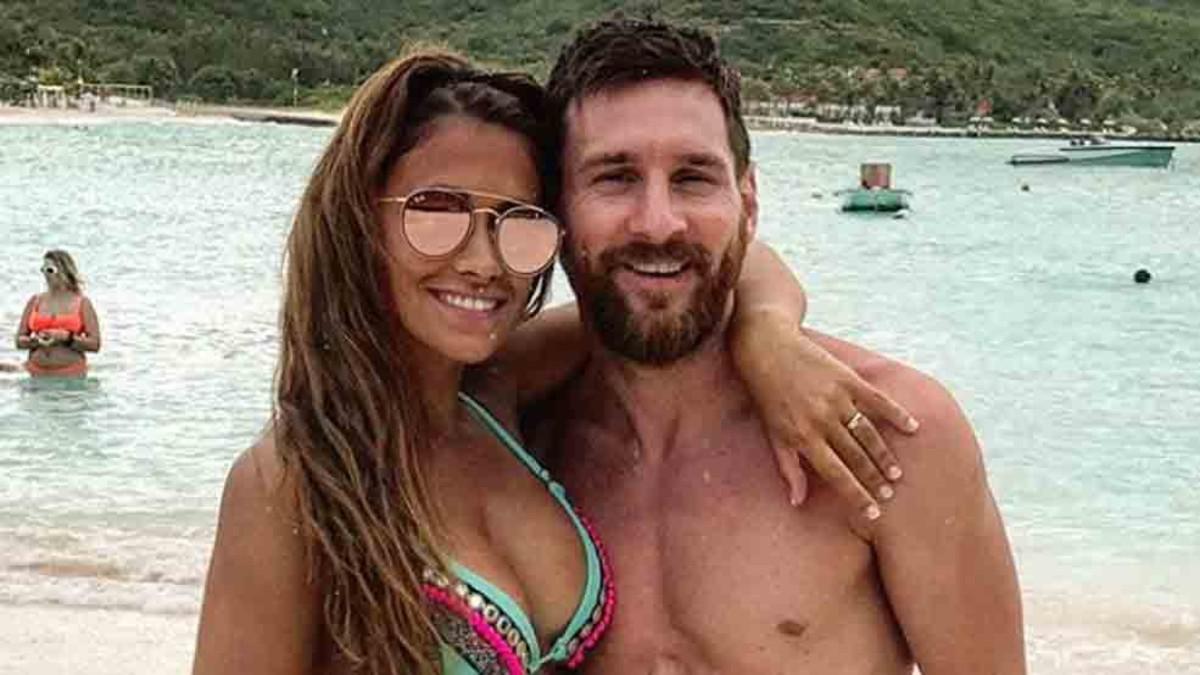 世界杯出局12天后 梅西终于现身了 娇妻比基尼抢镜