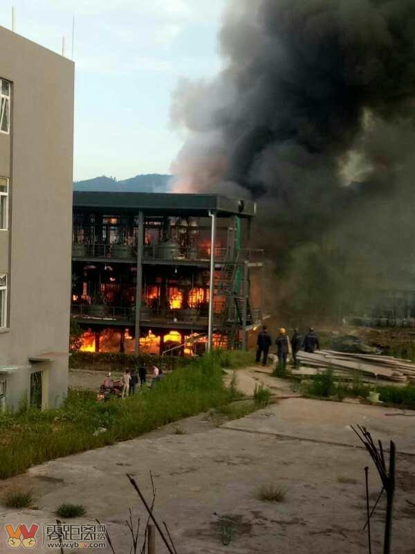 四川江安县一工业园区发生爆燃事故 已致19死12伤