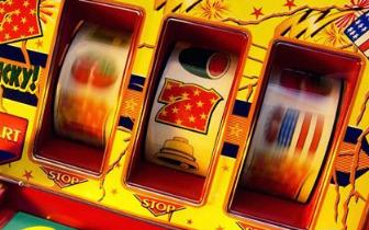 象山警方查获收缴及现场砸毁赌博游戏机700余台
