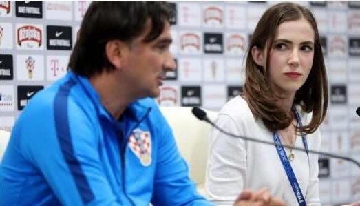 克罗地亚美女新闻官也走红 男记者:为了她 我夜不能寐!