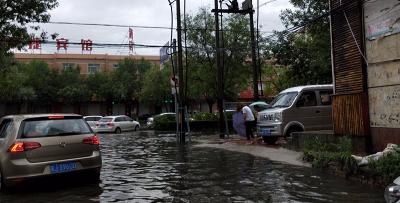沧州市区中到大雨各项工作秩序正常