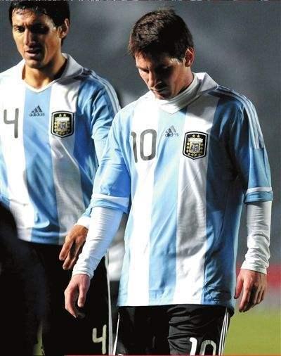 劲爆!阿根廷某国脚7年前险揍梅西 此后与国家队绝缘