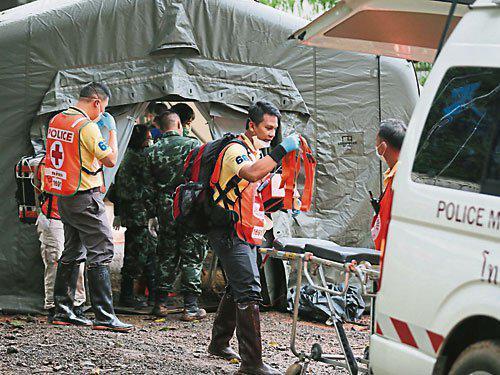 泰国给予澳大利亚参与洞穴救援医护团队外交豁免权